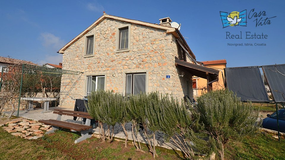 Beautiful stone house 5km from the sea!
