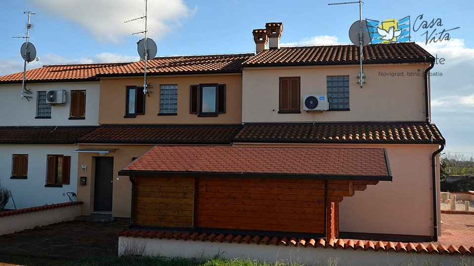 Nice house near Novigrad, 2,5 km from the sea and from the city center!