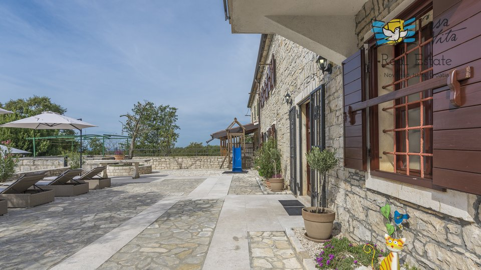 Hiša, 300 m2, Prodaja, Buje