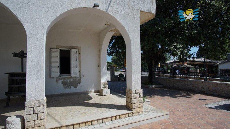 Hiša, 400 m2, Prodaja, Sveti Lovreč - Flengi