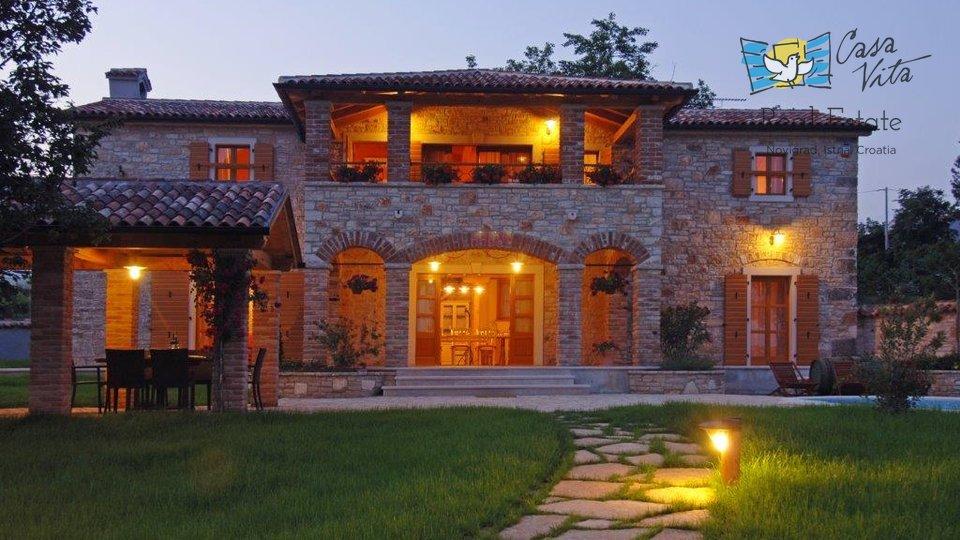 Bellissima villa in pietra vicino a Parenzo, con una bellissima vista sul mare!