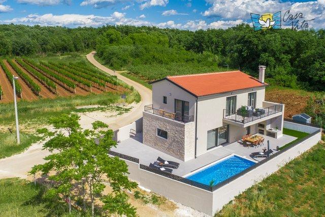 Schöne und moderne Villa in der Nähe von Novigrad, mit einer schönen Aussicht!