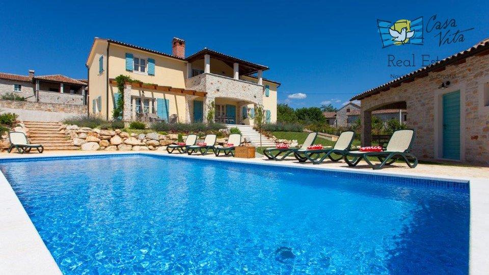 Predivna vila u okolici Poreča, sa koje se pruža predivan pogled na more!
