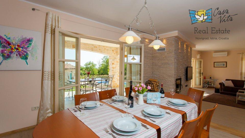 Hiša, 300 m2, Prodaja, Poreč