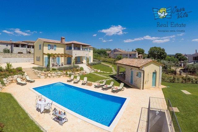 Bellissima villa vicino a Parenzo, con una bellissima vista sul mare!