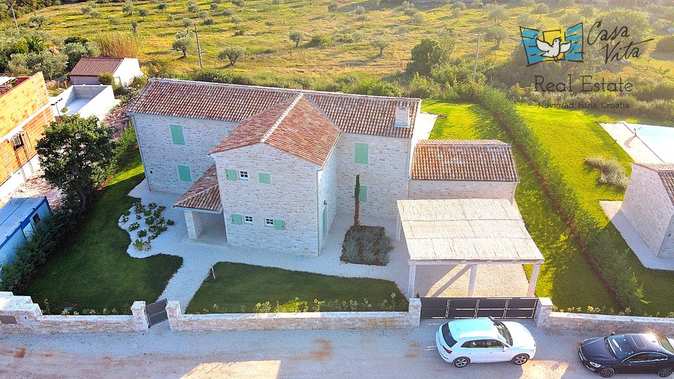 House, 260 m2, For Sale, Rovinj