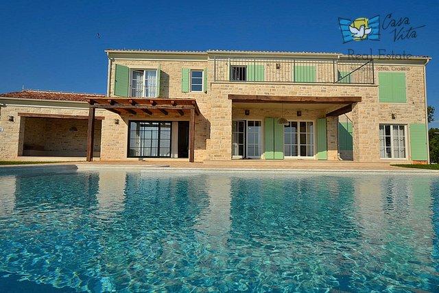 Prekrasna vila sa panoramskim pogledom na more u okolici Rovinja!