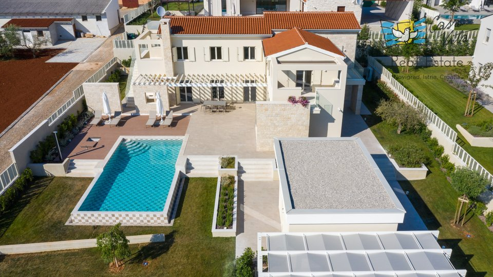House, 248 m2, For Sale, Poreč