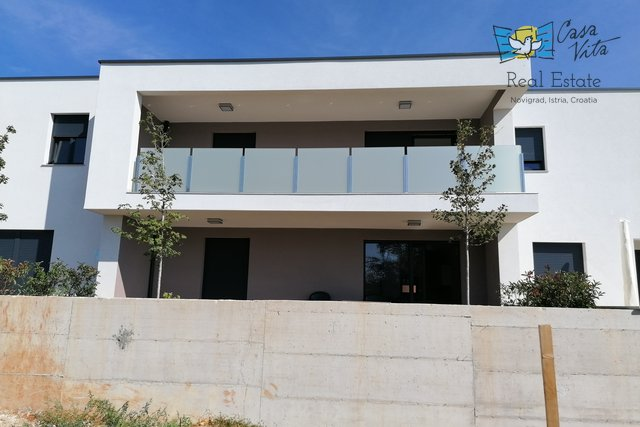 New building in Novigrad, 800m from the sea!