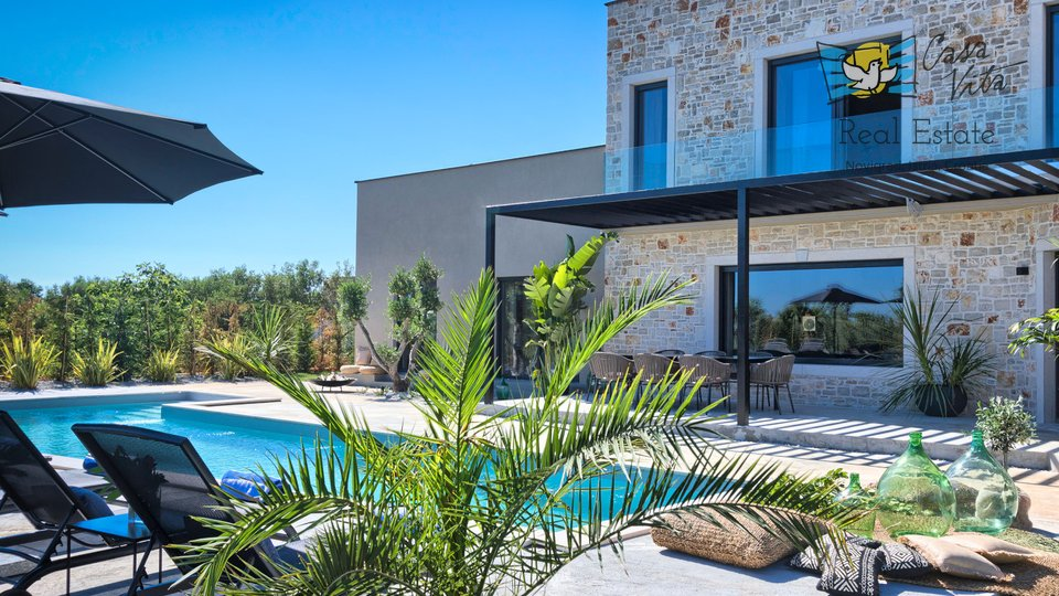 Beautiful and modern villa near Poreč with a beautiful sea view!