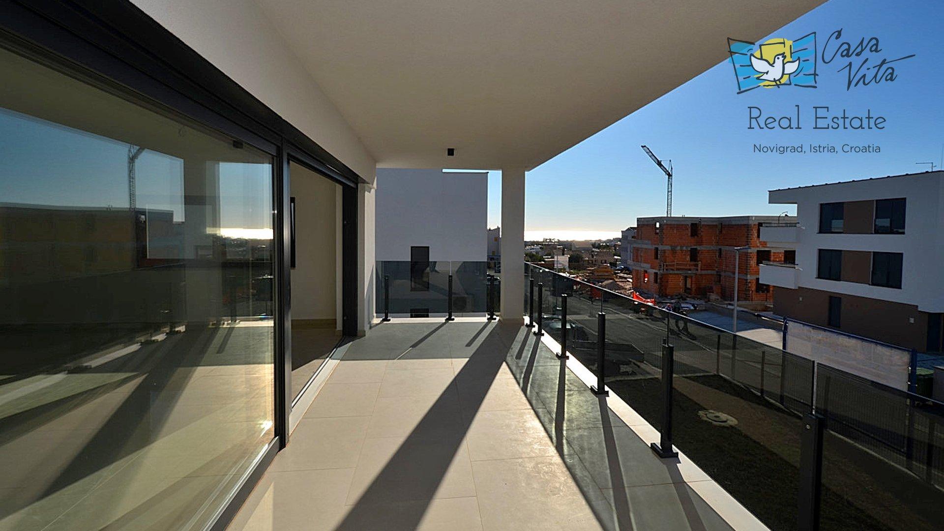 Penthouse sa predivnom terasom i pogledom na more!