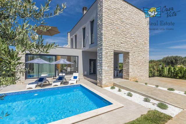 Beautiful modern villa near Umag, 3500 m from the sea!