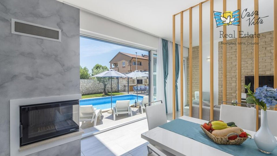 Villa bella e  moderna vicino a Umago, 3500 m dal mare!