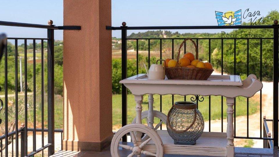 Villa di nuova costruzione vicino alla città di Parenzo con una bellissima vista sul mare!