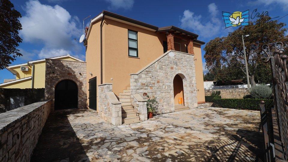 Hiša, 136 m2, Prodaja, Poreč