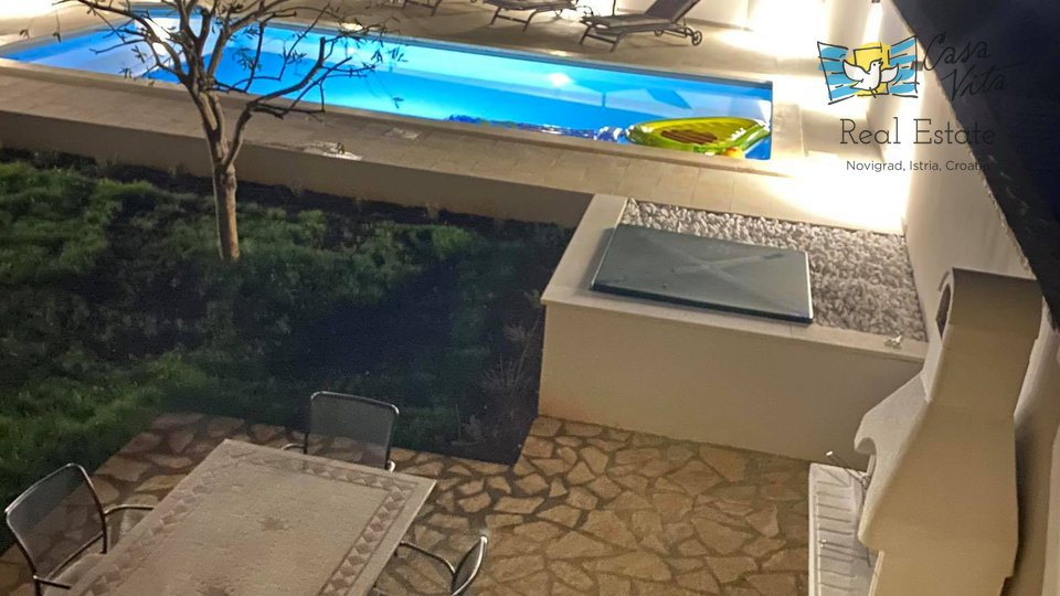 Beautiful house with pool near Poreč!
