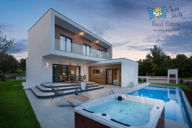 Villa of modern architecture near Poreč, 800m from the sea!