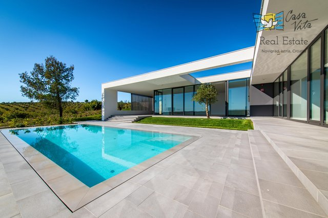 House, 320 m2, For Sale, Novigrad