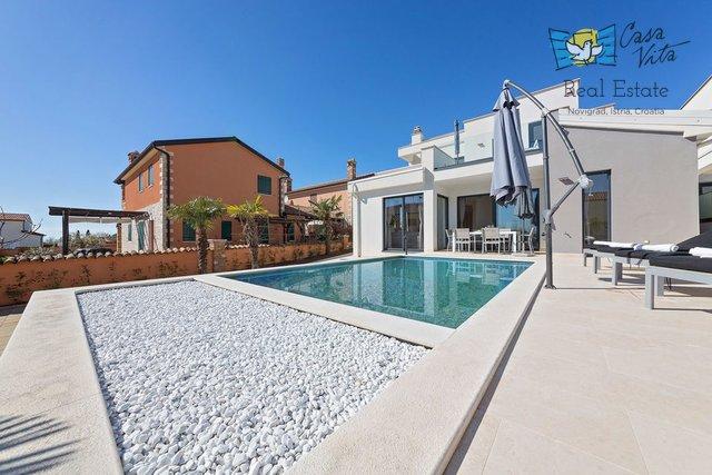 Moderna kuća u okolici grada Poreča, 8km od mora!