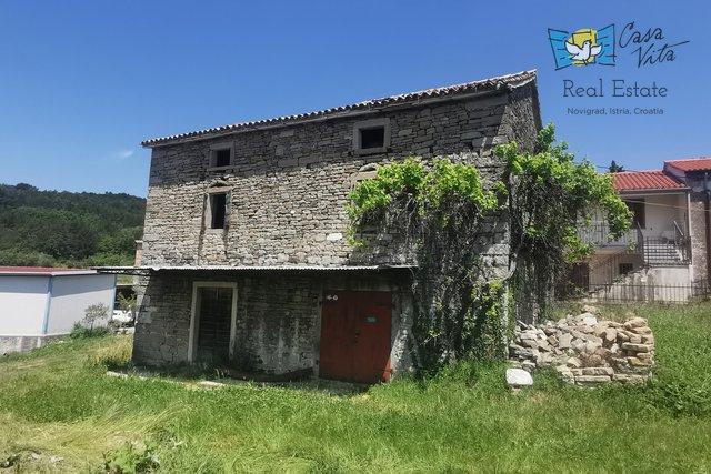 Kamena kuća u okolici Buja!