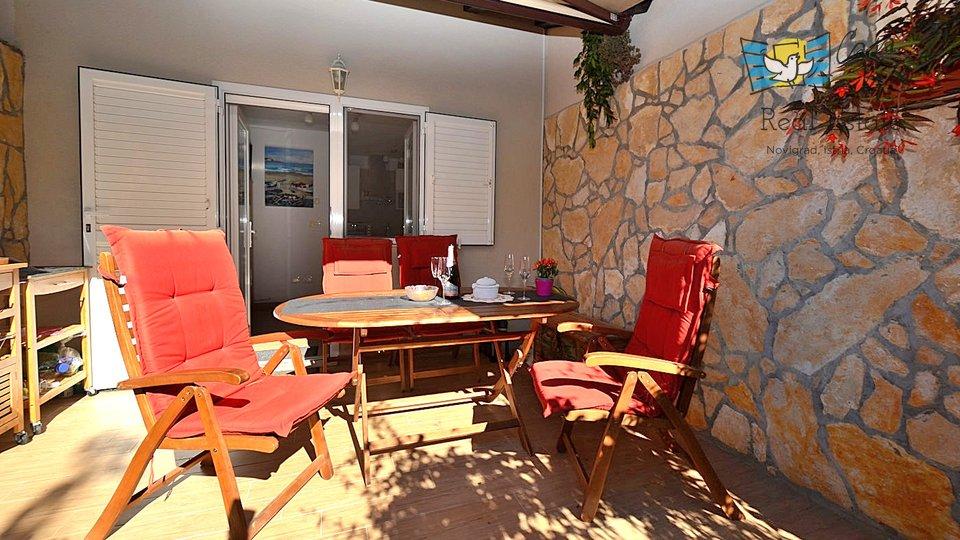 Appartamento troppo carino a 200 metri dal mare con il proprio cortile!