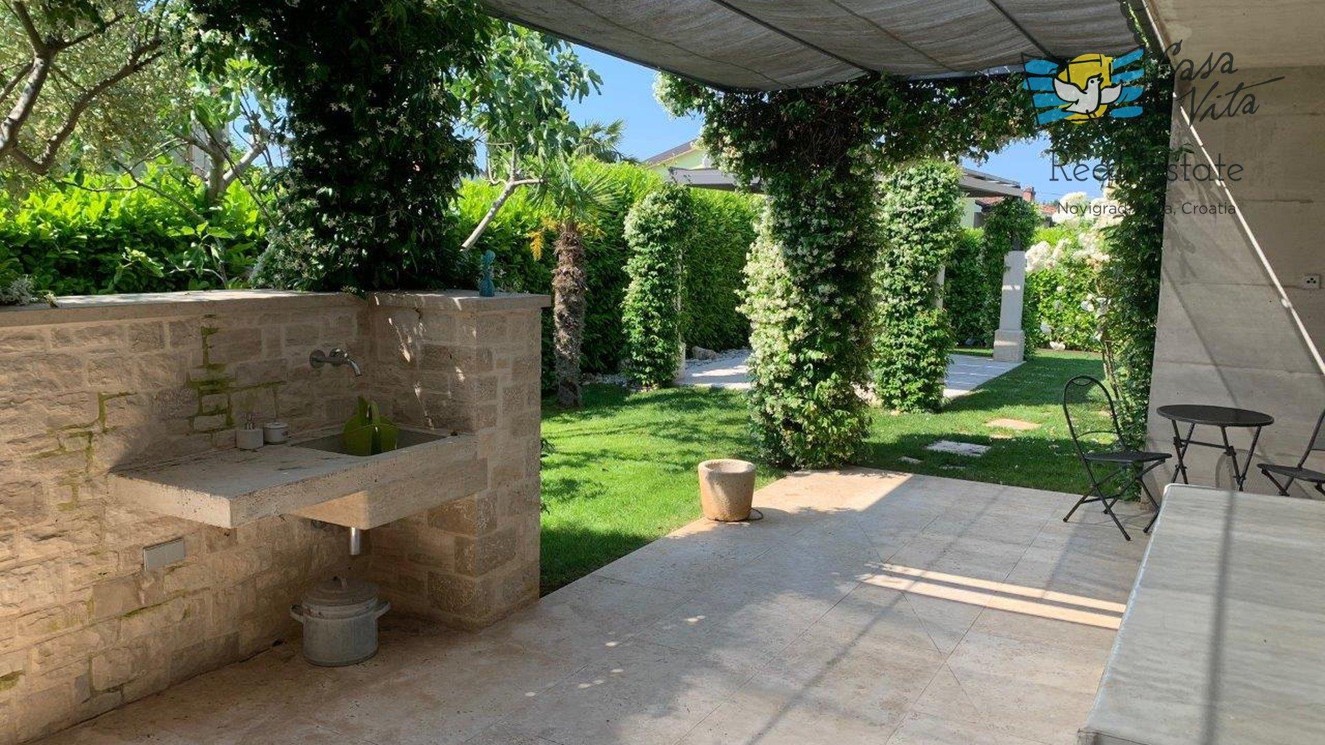 Casa moderna in un'ottima posizione a Cittanova, a 350 metri dal mare!