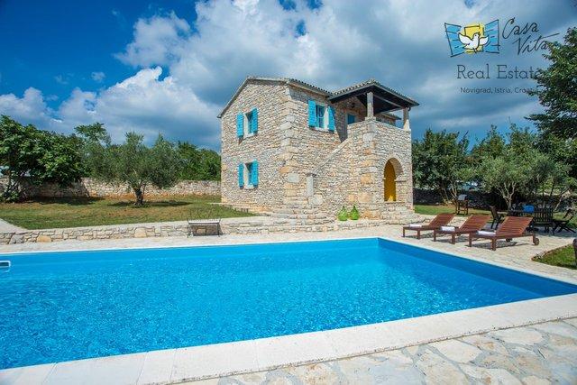 Luxuriöses Landhaus mit Swimmingpool