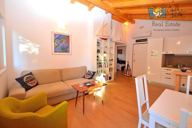 Lijep stan u samom centru Novigrada, 50m od mora!
