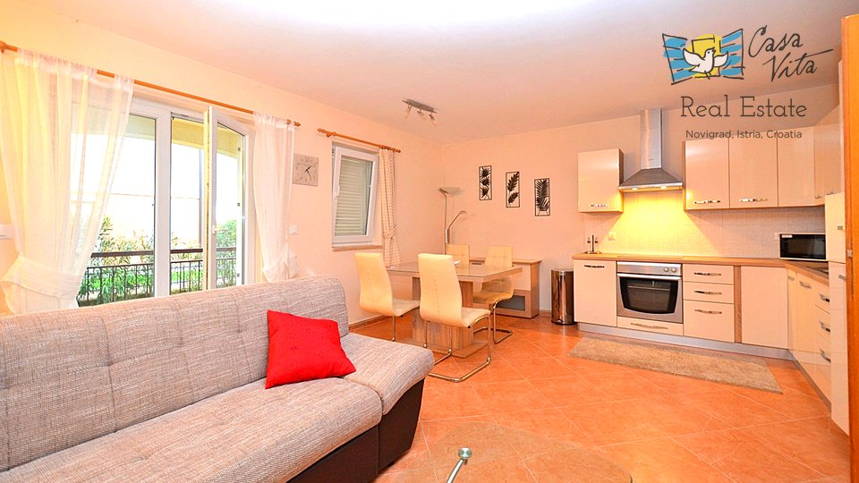 Beautiful apartment on Groundfloor of a building with common swimming pool