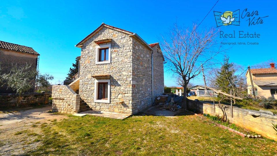 Lijepa kamena kuća sa lijepim pogledom