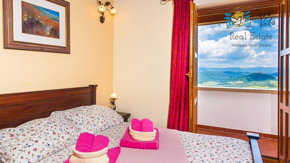 Lijepa villa sa panoramskim pogledom u okolici Poreča!
