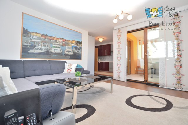 Great apartmnet on the second floor with a sea view!