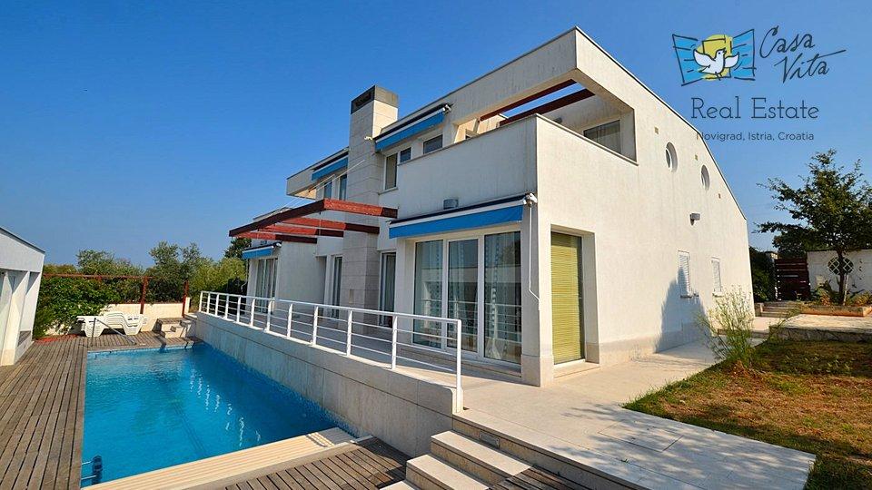 Prekrasna kuća na mirnoj lokaciji, sa pogledom na more