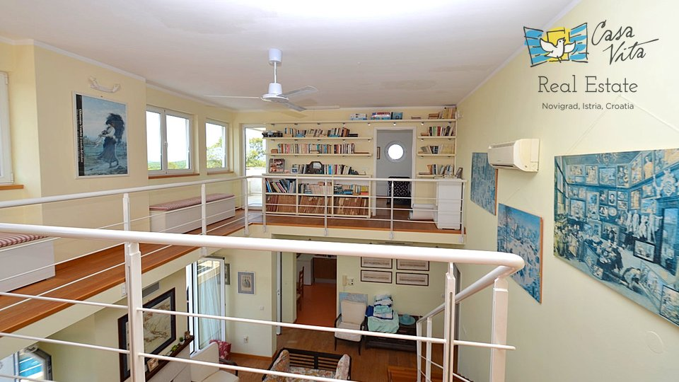 Beautiful house in a very quite area, with see view