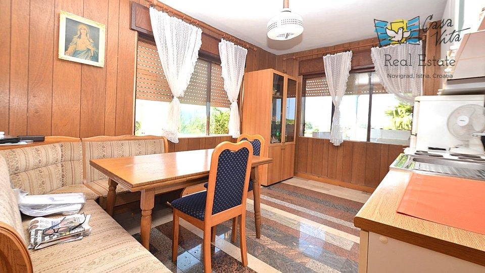Stan u Novigradu na 1.katu obiteljske kuće